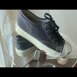 Vintage mini platform sneakers